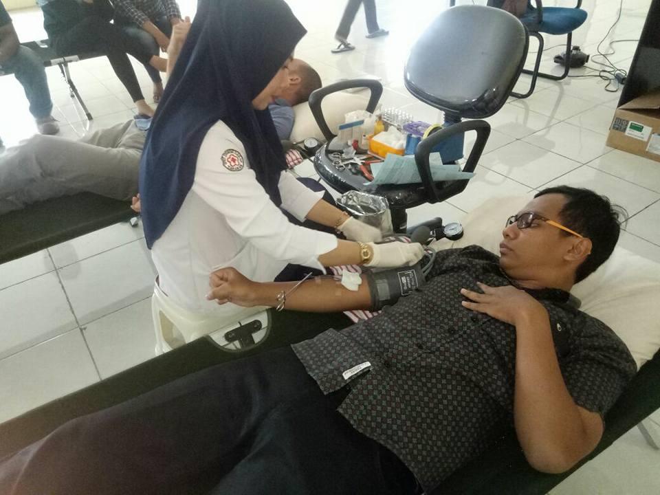 Bertempat di PT. Kobexindo Tractors Unit Transfusi Darah PMI Kota Tarakan mengadakan Kegiatan Donor  - (Ada 0 foto)