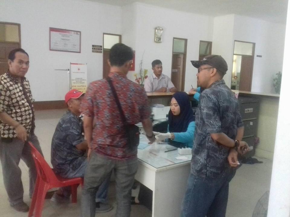 Bertempat di Unit Transfusi Darah PMI Kota Tarakan mengadakan Kegiatan Donor Darah - (Ada 0 foto)
