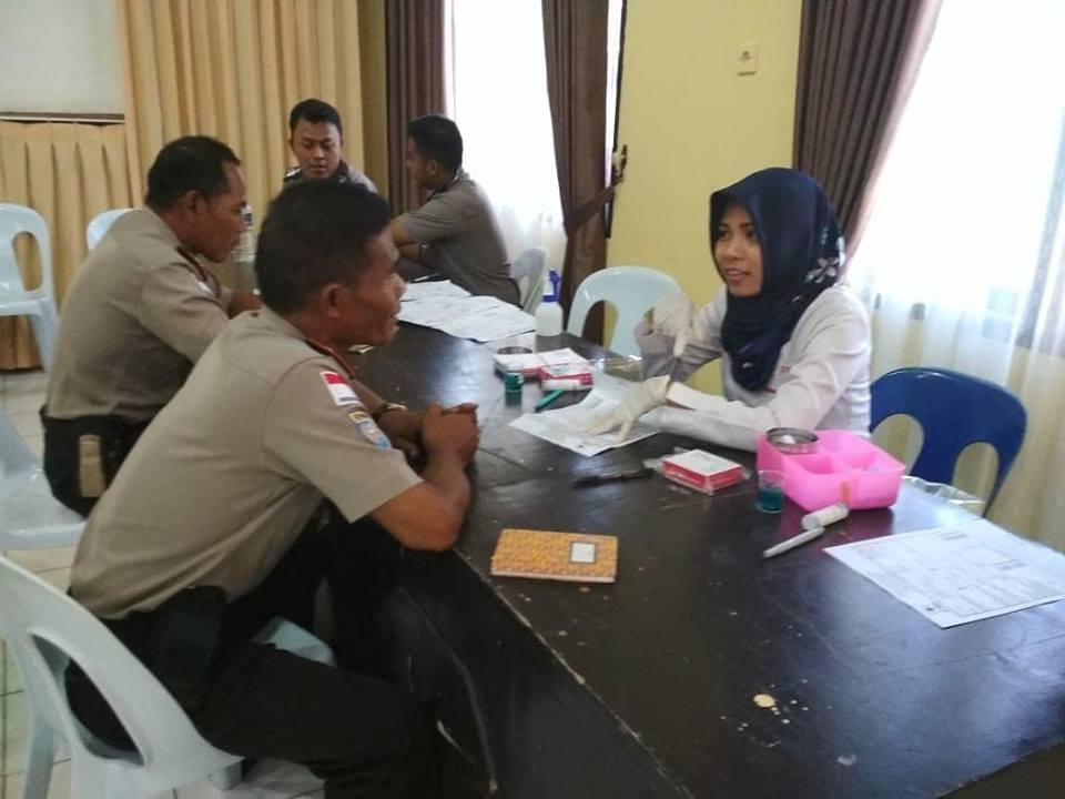 Kegiatan donor darah Hut Bhayangkara Ke 72 di Polres Kab.Nunukan - (Ada 0 foto)