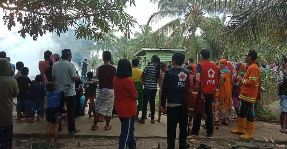 kebakaran rumah di daerah pantai amal binalatung RT.10 - (Ada 0 foto)