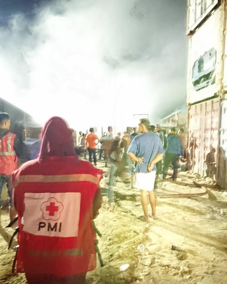 Giat PMI Kota Tarakan, menuju lokasi kejadian dan berkoordinasi dengan PMK dan pihak terkait. - (Ada 0 foto)