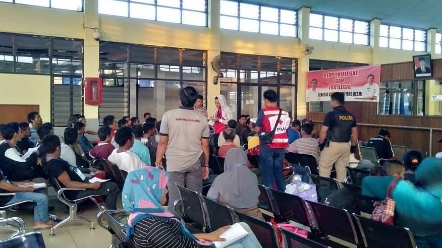 PMI Kab.Nunukan menurun Tim RFL untuk melakukan pendampingan dari Pelabuhan Tunan Taka  - (Ada 0 foto)