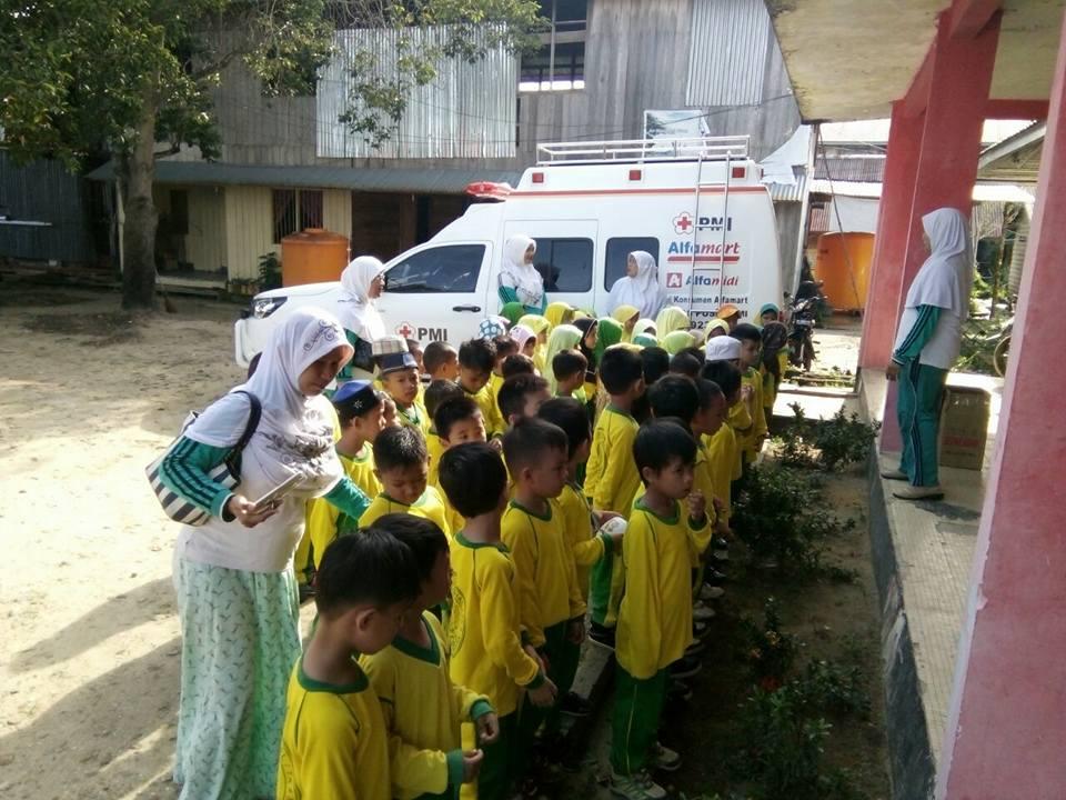 Kunjungan PAUD Al-Ikhlas dan TK Nur Izzah Ke Markas PMI dan Unit Transfusi Darah PMI Kabupaten Nunuk - (Ada 0 foto)